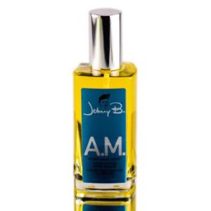 A.M. After Shave Spray Johnny b. 3.53 oz  Vaporisateur après-rasage offrant une légère odeur d'agrumes, de patchouli et de vétiver.