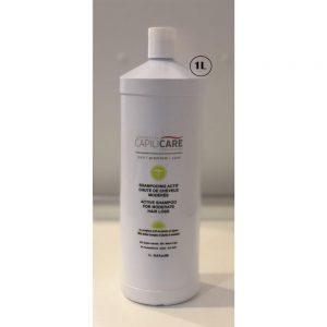 Capilicare Shampooing actif chute de cheveux modérée, formulé spécialement pour nettoyer délicatement mais efficacement les cheveux et le cuir chevelu. Son complexe aux plantes et aux algues nourrit, renforce et revitalise les cheveux tout en protégeant les longueurs et le cuir chevelu grâce aux actifs anti-âges et anti-oxydants.