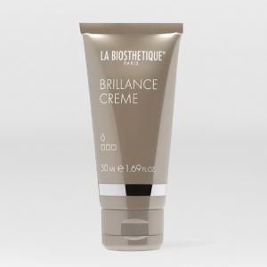 Crème de coiffage nourrissante pour des cheveux brillants, protégés du dessèchement et des rayons UV nocifs.  Tenue 0/3