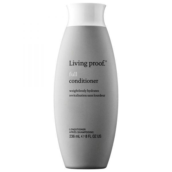 Un après-shampooing léger qui donne du corps, de la souplesse et de l'ampleur aux cheveux fins et plats n'altère pas la coloration. Sans silicone.