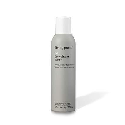 Living Proof Full Dry Volume Blast est un spray qui crée un volume et une texture presque aussi légers que l'air et donne de grands résultats durables sur les cheveux secs.