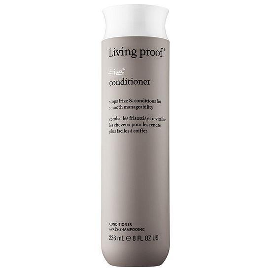 Un produit léger qui combat les frisottis, démêle les cheveux, les revitalise et bloque l'humidité pour rendre la chevelure douce et lisse. N'altère pas la coloration. Sans silicone.