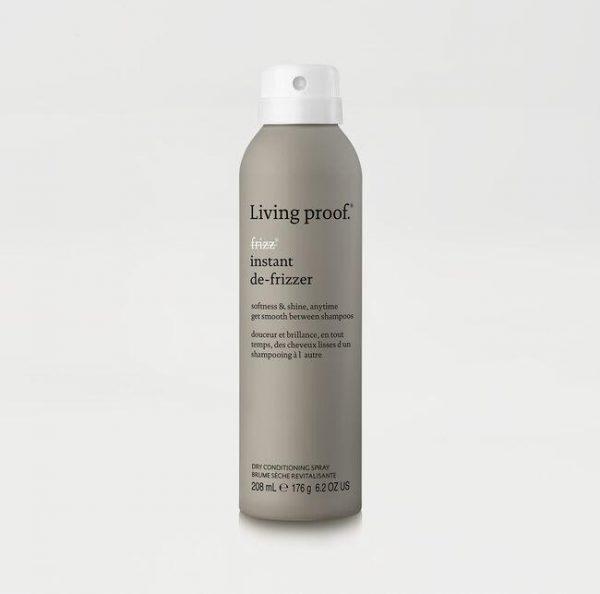 Brume sèche revitalisante. Douceur et brillance, en tout temps, des cheveux lisses d'un shampooing à l'autre.