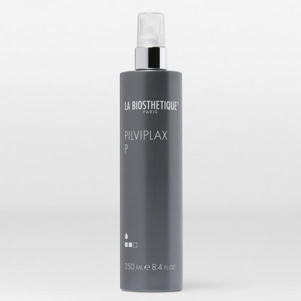 Pilviplax P est un fixateur capillaire idéal pour les coiffures classiques au sèche-cheveux ou boucler les cheveux au fer à friser, mais également pour toutes attaches et chignons.   Protège contre les intempéries et est un anti-statique.  Tenue 2/3