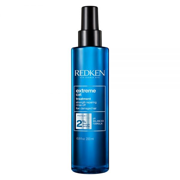 Traitement réparateur avec rinçage extreme cat Redken est un soin en spray pour cheveux abîmés. Avec protéines et formule de PH balancé.