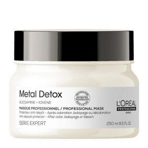 L'Oréal Metal Detox Masque Professionnel pour nourrir les cheveux en profondeur après une coloration, décoloration ou balayage. Anti-dépo